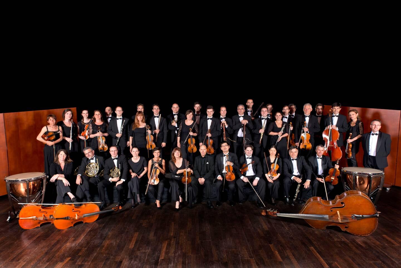 L'orchestre de Cannes.