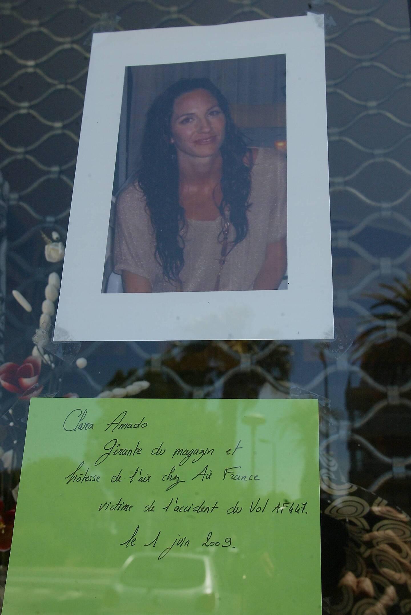 Au lendemain du drame, la photo de Clara Amado, du crash du Rio-Paris, avait été collée sur la vitrine de la boutique que l'hôtesse de l'air gérait au Lavandou.