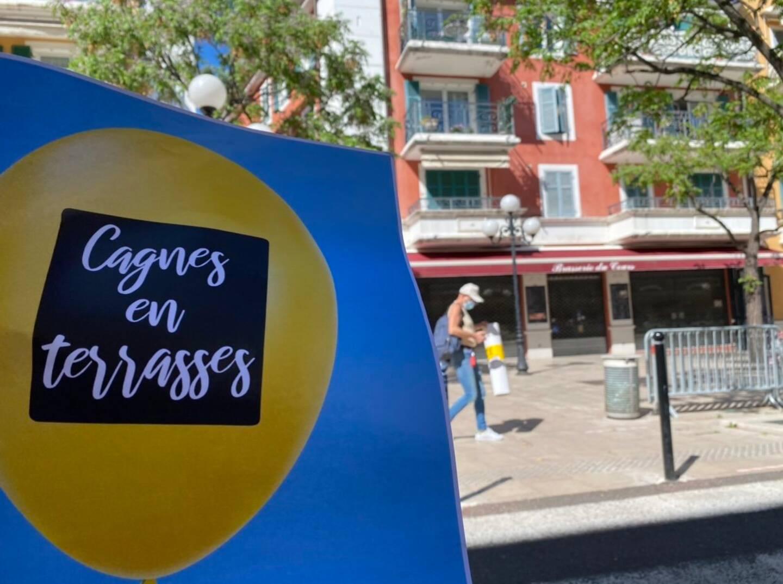 """Dès aujourd'hui, des affiches, des banderoles et des ballons gonflables annonceront partout en ville, l'opération """"Cagnes en terrasses""""."""