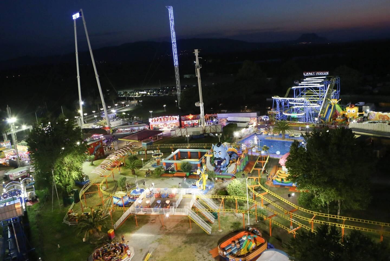 Les parcs à thème et de loisirs ouvrent le 19 mai mais les attractions devront attendre le 9 juin.