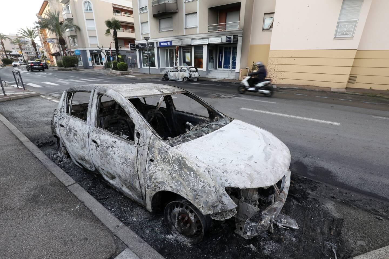 Trois voitures ont été incendiées, le week-end dernier, à Fréjus, lors de la nuit de tension face aux forces de l'ordre.