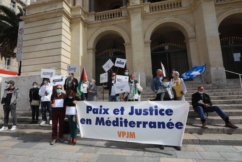 Devant l'opéra de Toulon, ils étaient environ 150 à s'être réunis pour apporter leur soutien à la Palestine.