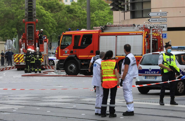 Les services de secours sur les lieux de l'explosion.