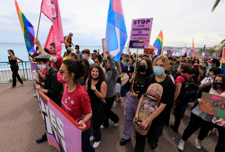 Beaucoup de (très) jeunes manifestants sont venus grossir le cortège de plusieurs centaines de personnes.