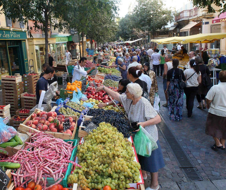 Le marché de Toulon, cours Lafayette.