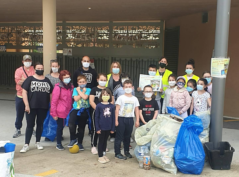 Les écoliers de Ranchito ont rendu un fier service à la nature environnante, en enlevant plus d'une quarantaine de kilos de déchets.