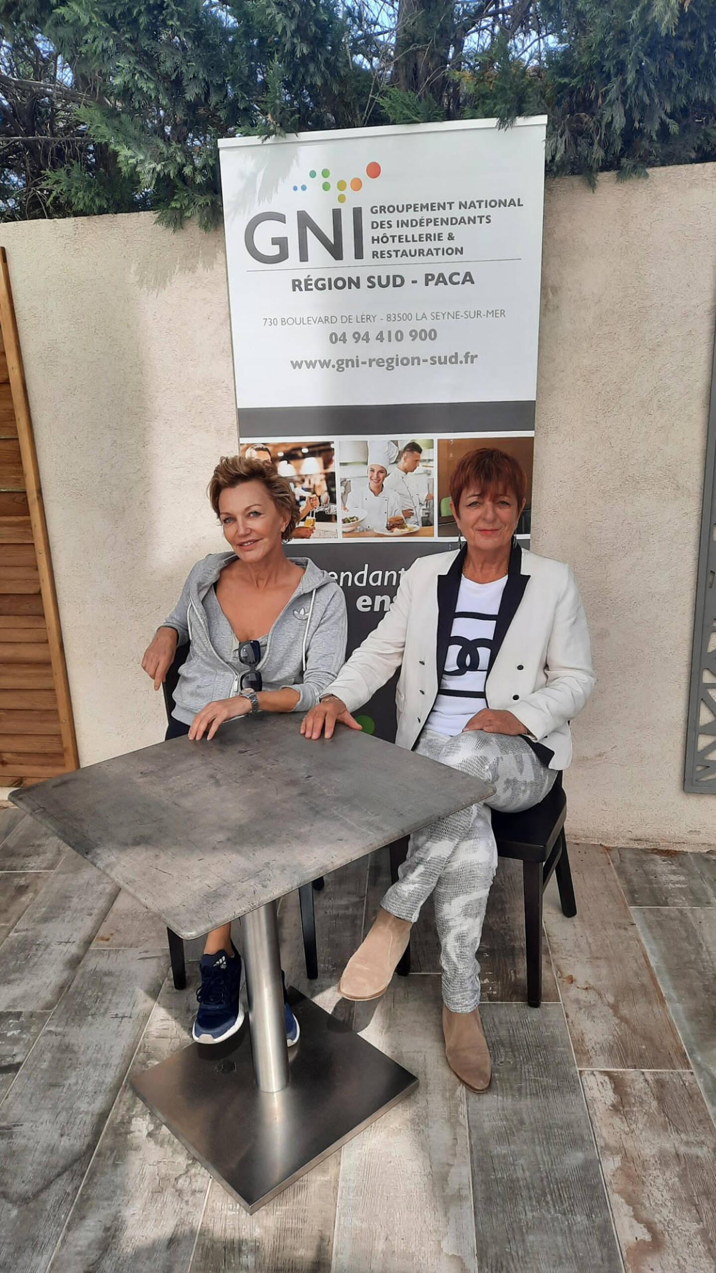 Christiane Thibault, présidente du GNI au côté de Susie Magand du Cuneo à Toulon, qui ne prend plus les tickets restaurant pour cause de commissions trop élevées.