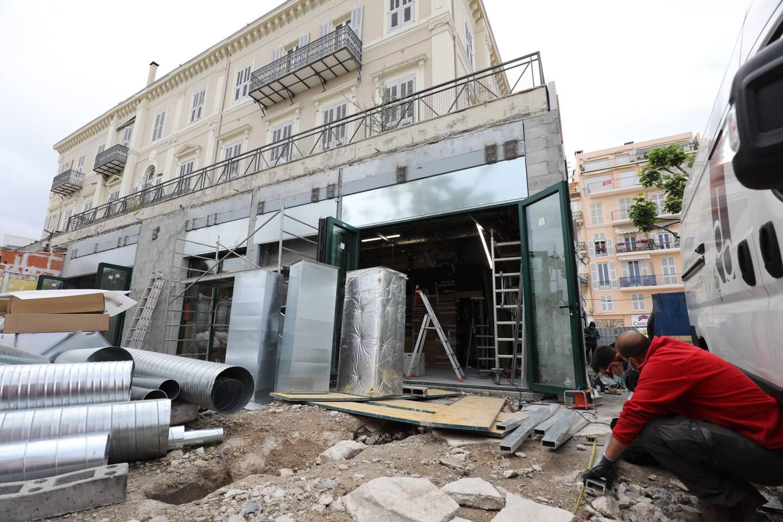 Après près de deux mois de travaux, le fast-food de la rue Félix-Faure devrait rouvrir ses portes d'ici quelques jours à peine.