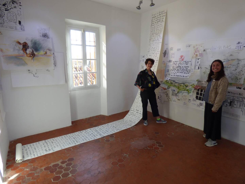 """Le """"carnet 3D"""" de Noor Daels-Steidel et Sibylle Goldet avec la participation d'habitants du Haut-de-Cagnes. (Photo L. Q.)"""