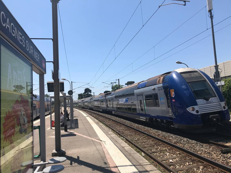 """""""Il s'agit d'une légère dégradation, il n'y a pas eu de perturbation, pas de train à l'arrêt"""", précise le commissariat de Cagnes-sur-Mer. Une enquête est ouverte."""