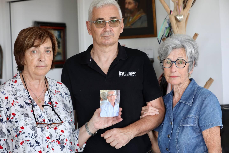 Les deux sœurs et le frère de Michel Joanin ont saisi l'Agence régionale de santé et transmis son dossier médical au centre régional de pharmacovigilance à Marseille, pour expertise. (Photo Luc Boutria)