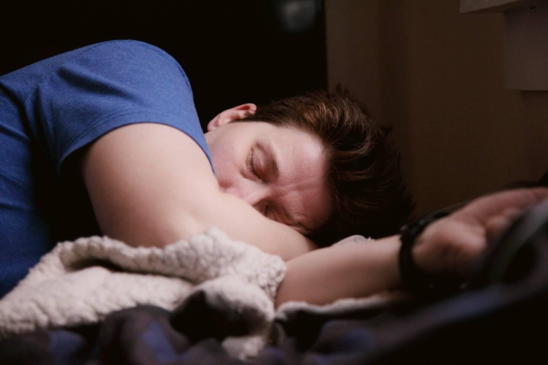 La fatigue est le symptôme persistant le plus courant. Elle peut durer pendant des semaines voire des mois.