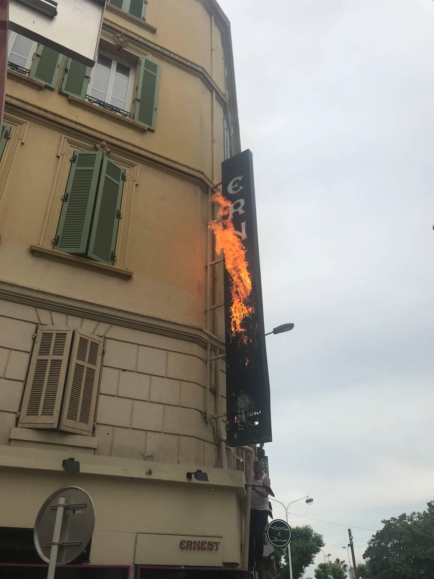 L'incendie a été circonscrit, il pourrait être dû à un court-circuit.