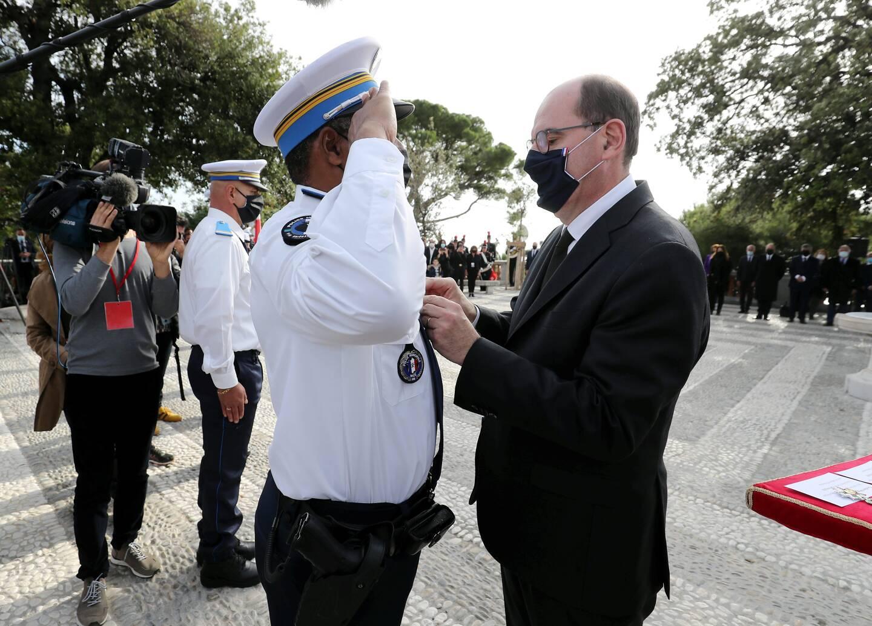 Le 7 novembre, Jean Castex avait présidé l'hommage national aux victimes de l'attentat de la basilique Notre-Dame et décoré les policiers municipaux qui avaient neutralisé le terroriste.
