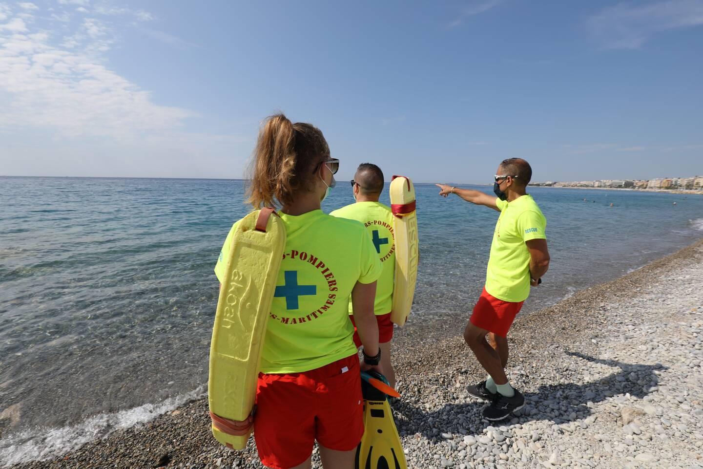 Le lieutenant Stéphane Niollon prépare ses équipes pour la nouvelle saison, sur la plage Poincaré à Nice.