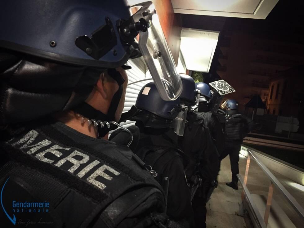 """""""Pas de zone de non-droit"""": les gendarmes en force à la Trinité"""