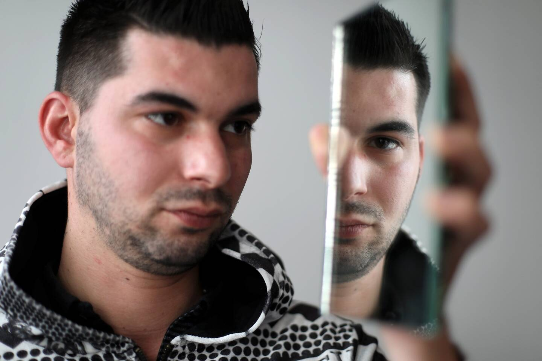 Transformiste par passion, Maxime Bianco travaille par ailleurs dans le médico-social.