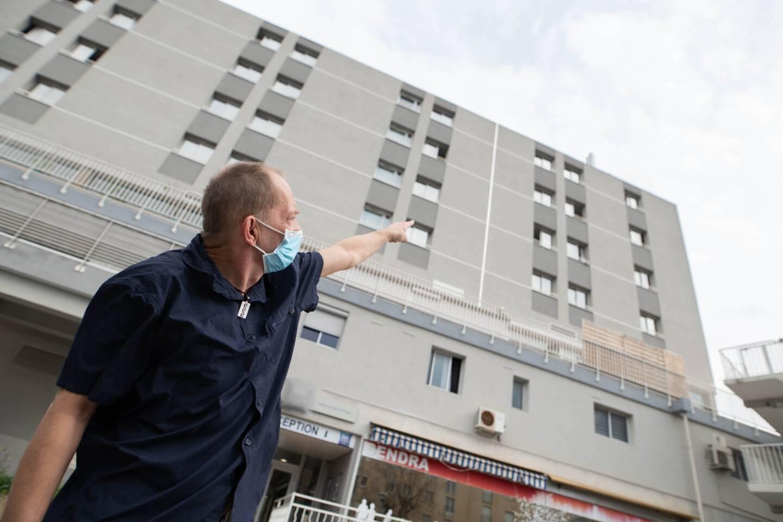 David Petit n'a pas hésité une seule seconde. Alerté par le client d'un hôtel dans lequel il travaille, le réceptionniste a permis d'éviter le pire... au troisième étage de l'établissement.