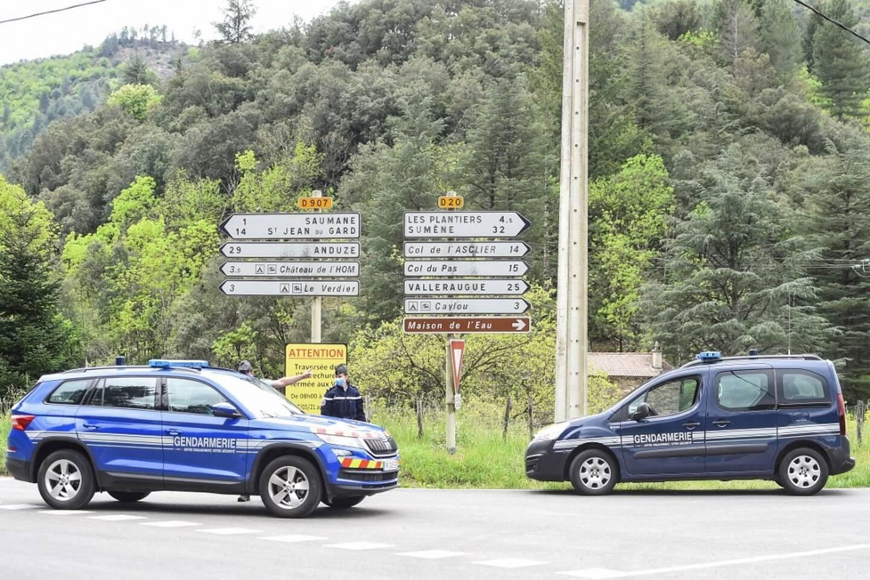 Plus de 350 gendarmes aidés d'hélicoptères, de drones et de chiens étaient à sa recherche.