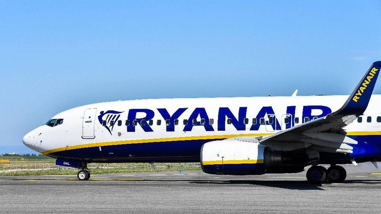 Un avion de ligne de la compagnie RyanAir a été détourné par l'Etat bélarus, officiellement en raison d'une alerte à la bombe.