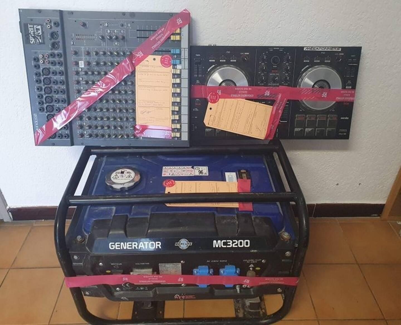 Le matériel audio saisi par la gendarmerie.