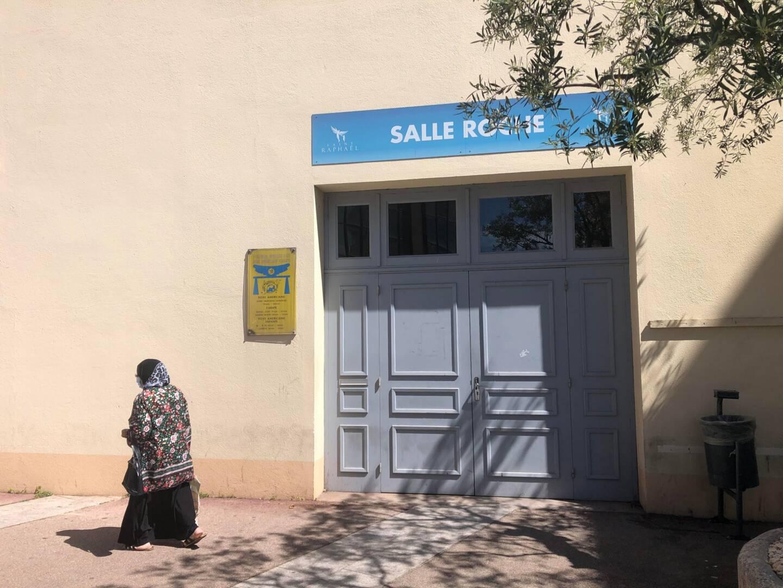 La salle municipale Roche a été le théâtre d'un incendie la nuit dernière à Saint-Raphaël.