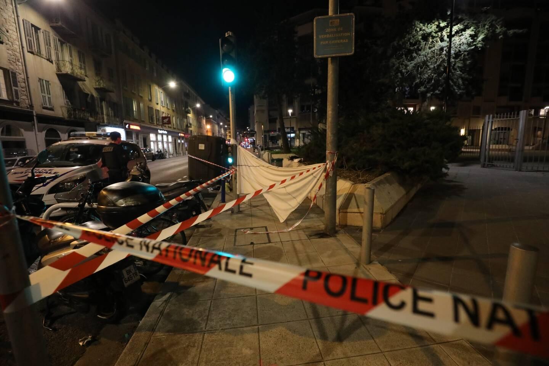 La scène où s'est produite l'agression au couteau dont a été victime une adolescent de 16 ans ce jeudi soir, sur la rue Barla, à Nice.