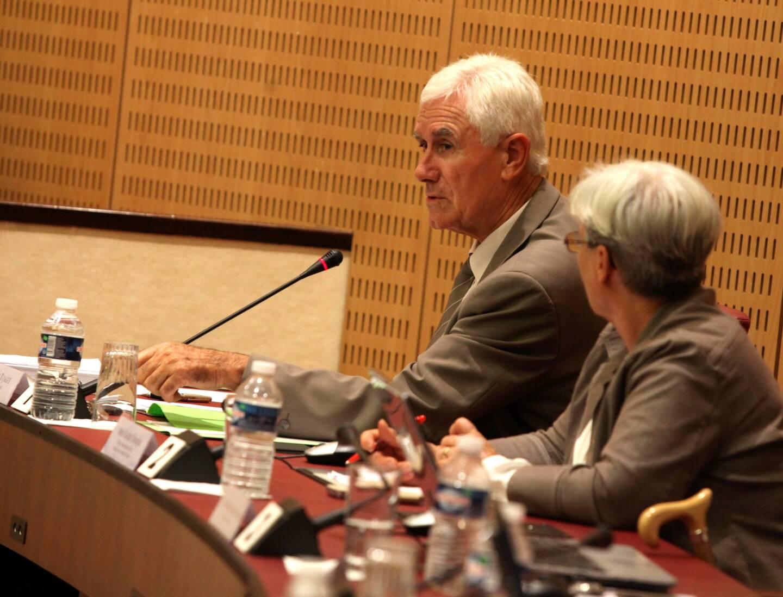 Francis Tujague, maire de Contes et candidat sortant du canton de Contes avec sa binôme Valérie Tomasini, conseillère municipale de Tende, à l'assemblée du Conseil départemental des Alpes-Maritimes en 2016.