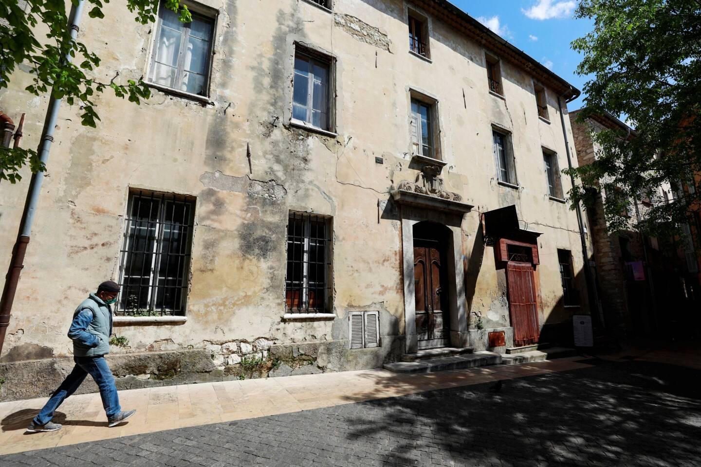 L'ancienne mairie que la commune va acheter pour agrandir les halles municipales.