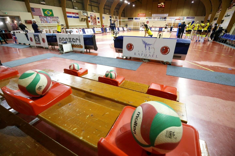 En souhaitant unir sous une même entité le Fréjus Var Volley et le Saint-Raphaël Var Volley-ball, pour des raisons d'économie d'échelles, les deux maires font fi d'un élément central du dossier.