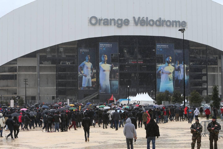 Le stade Orange Vélodrome de Marseille devient un vaccinodrome géant.