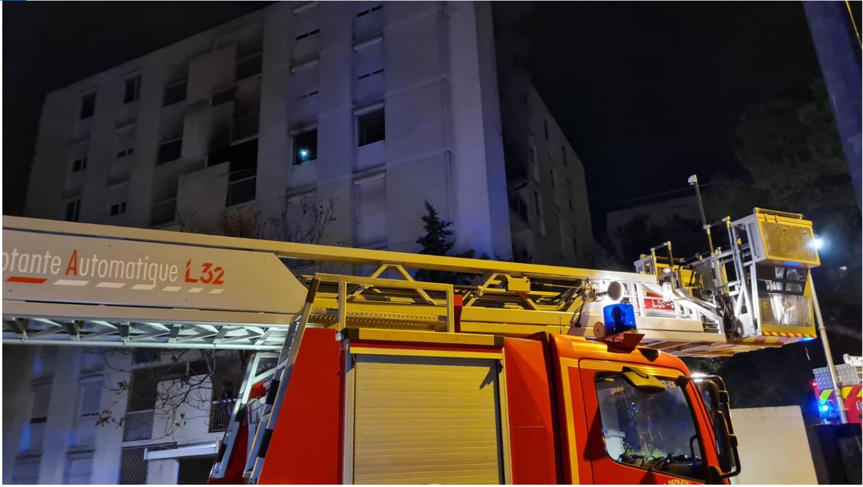 L'incendie s'est déclaré au 4e étage d'un immeuble.